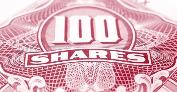 100 shares © Tupungato/Shutterstock.com