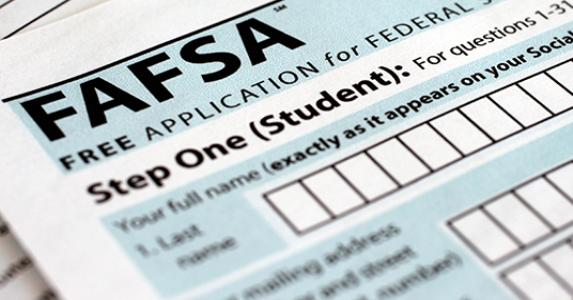 FAFSA application form © Jon Elswick/Associated Press