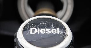 Diesel fuel pump © TOBIAS SCHWARZ/Reuters/Corbis