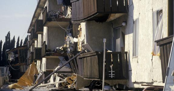 Northridge earthquake damage © spirit of america/Shutterstock.com