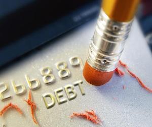 Erasing debt © zimmytws Shutterstock.com