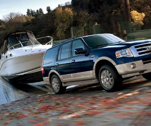 Ford expedition towing a boat | Ford
