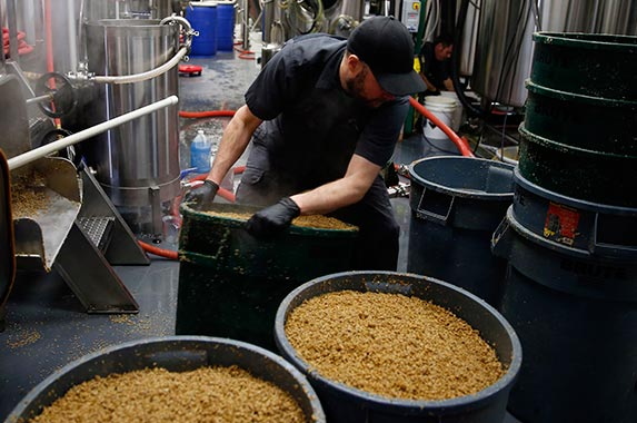 10 states for craft beer | Boston Globe/Getty Images