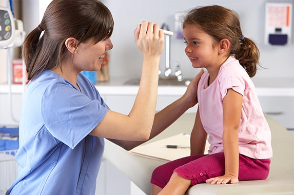Doctor Examining Child | © Monkey Business Images/Shutterstock.com