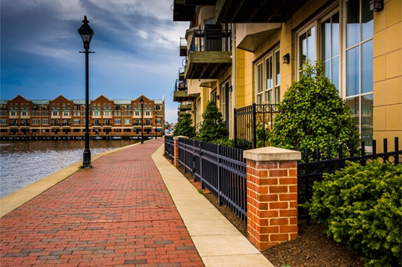 Maryland: © Jon Bilous/Shutterstock.com