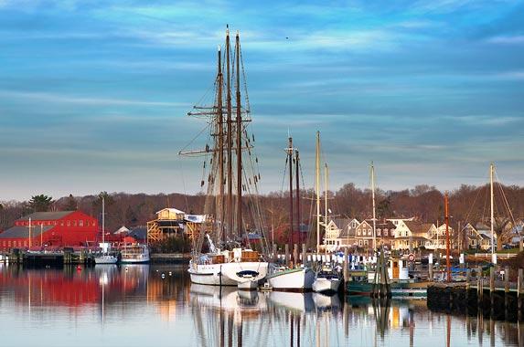 Connecticut © cvrestan/Shutterstock.com