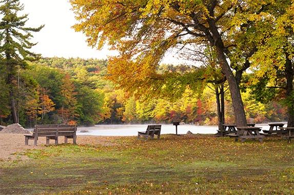 Connecticut © Dan Hanscom/Shutterstock.com