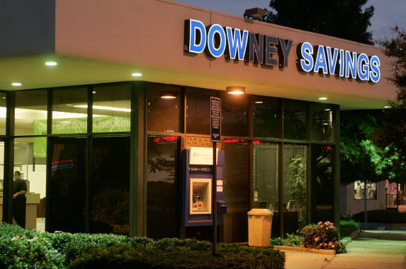 Downey Savings and Loan © FRED PROUSER/Reuters/Corbis