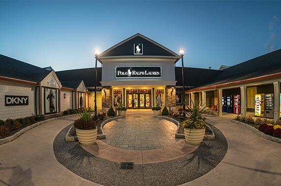 Ralph Lauren | Tooykrub/Shutterstock.com