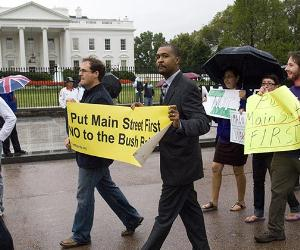 Protestors outside White House | Scott J. Ferrell/Getty Images