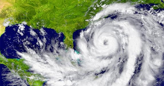 Hurricane off the east coast of Florida and Georgia © Harvepino/Shutterstock.com