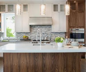Light modern kitchen | Hero Images/Getty Images