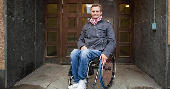 Man on a wheelchair | Maskot/Getty Images