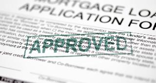 Mortgage application form approved © turhanyalcin / Fotolia.com