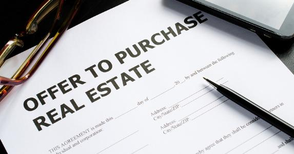 Offer to purchase real estate © iStock
