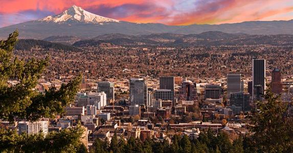 Portland skyline © Josemaria Toscano/Shutterstock.com