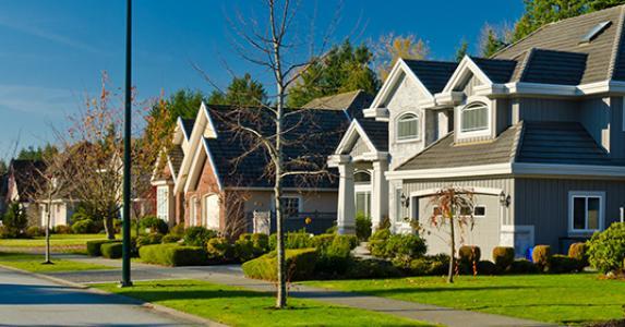 Vibrant neighborhood © Shutterstock.com