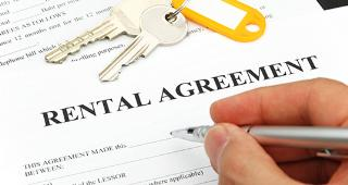 Rental agreement © Ralf Kleemann/Shutterstock.com