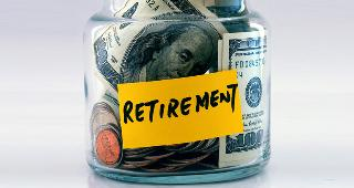 Retirement savings jar © JohnKwan/Shutterstock.com