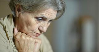 Sad woman © Ruslan Guzov/Shutterstock.com