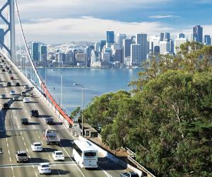 San Francisco bridge traffic © kropic1/Shutterstock.com