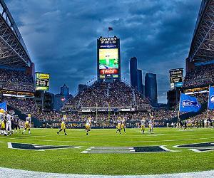 Seattle Seahawks football stadium © Mat Hayward/Shutterstock.com