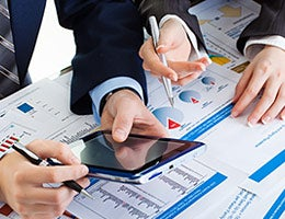 Forecasters drill deeper into the economy © Zadorozhnyi Viktor/Shutterstock.com