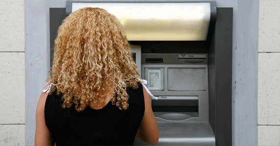 Skimming ATMs © iStock