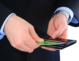 Picking the wrong credit card © Temych/Shutterstock.com