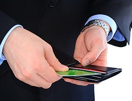 6. Take stock of your wallet © Temych/Shutterstock.com