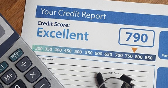 Key credit report indicators © iStock