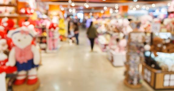 Suspect: The toy store trio © Tarr Pichet/Shutterstock.com