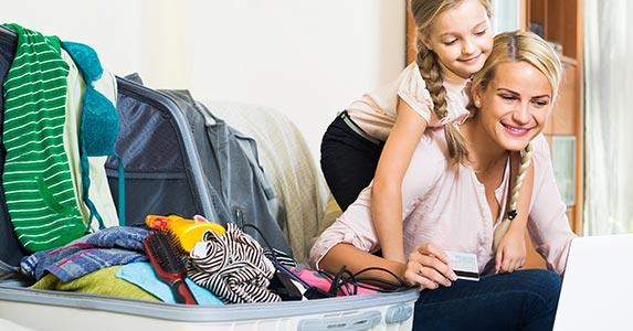 Change payment due dates © Iakov Filimonov/Shutterstock.com