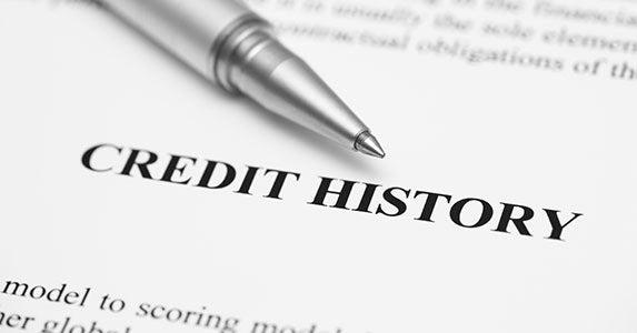 Easy ways to improve your credit score © StepanPopov/Shutterstock.com