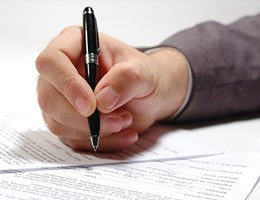 Watch out for fees on service contracts © tarakbr/Shutterstock.com