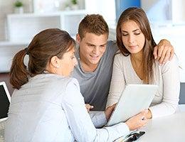 How to apply for a mortgage © Goodluz/Shutterstock.com