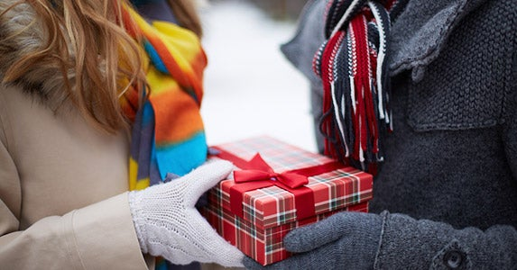 The boomerang gifter © Pressmaster/Shutterstock.com