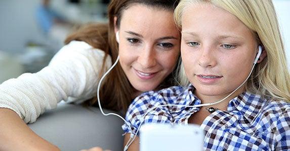 Music or a few well-chosen apps © Goodluz/Shutterstock.com