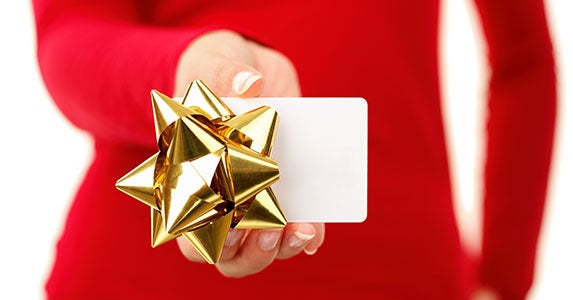 Earn or buy gift cards © Ariwasabi/Shutterstock.com