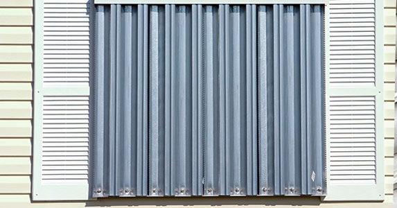 Storm panels © Dennis Tokarzewski/Shutterstock.com