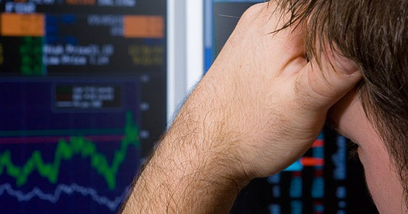 Settle your stomach with dollar-cost averaging © iStock