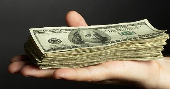 Peer-to-peer lending | tazytaz/Getty Images