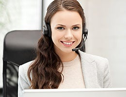 Customer service representatives © Syda Productions/Shutterstock.com