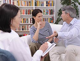 Job: Marriage and family therapist © mangostock - Fotolia.com