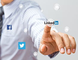Job hunting in the age of social media © Shutter_M/Shutterstock.com