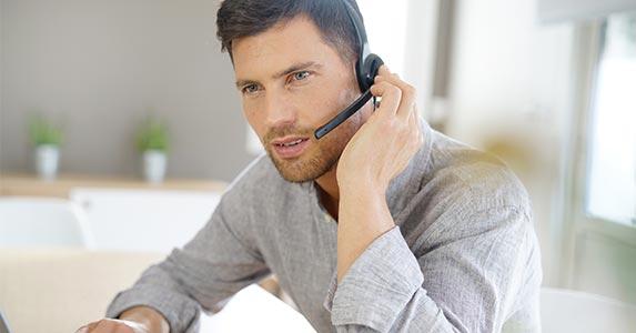 'How may I assist you?' | goodluz/Shutterstock.com