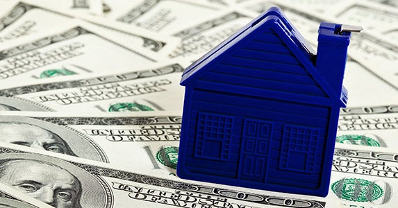 Use money merge accounts © Maryna Pleshkun/Shutterstock.com