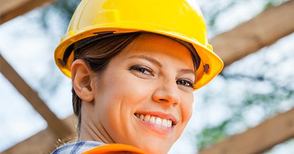 Winners: Construction workers | Tyler Olson/Shutterstock.com