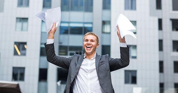 Buy rental properties with a VA loan? | Mintybear/Shutterstock.com