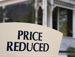 Should you reduce the price? © zimmytws/Shutterstock.com
